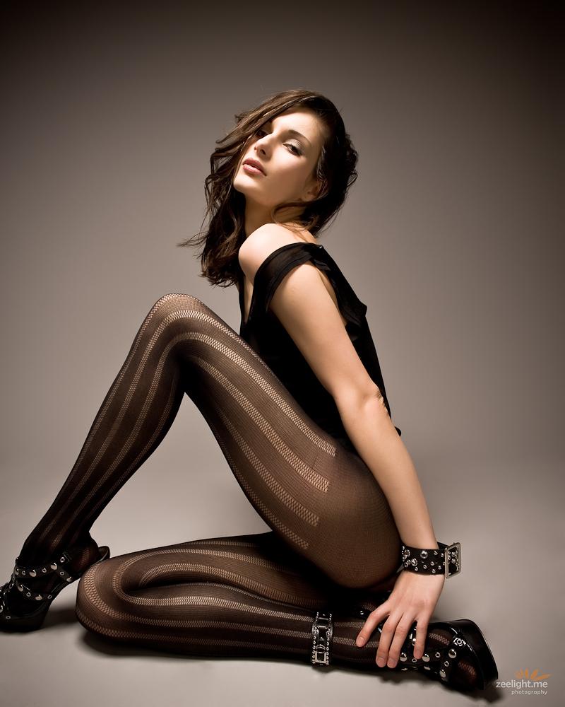 This Leggy Pantyhose Modeling